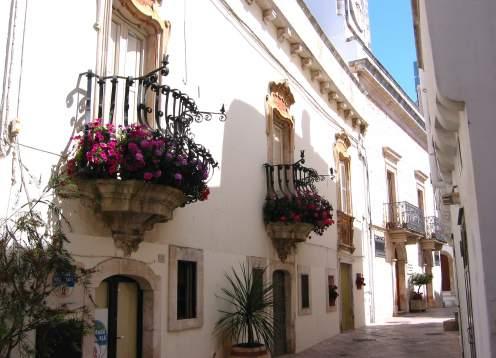 Loco street, balconies