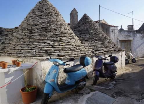 Puglia vespa 2018 blue vespas