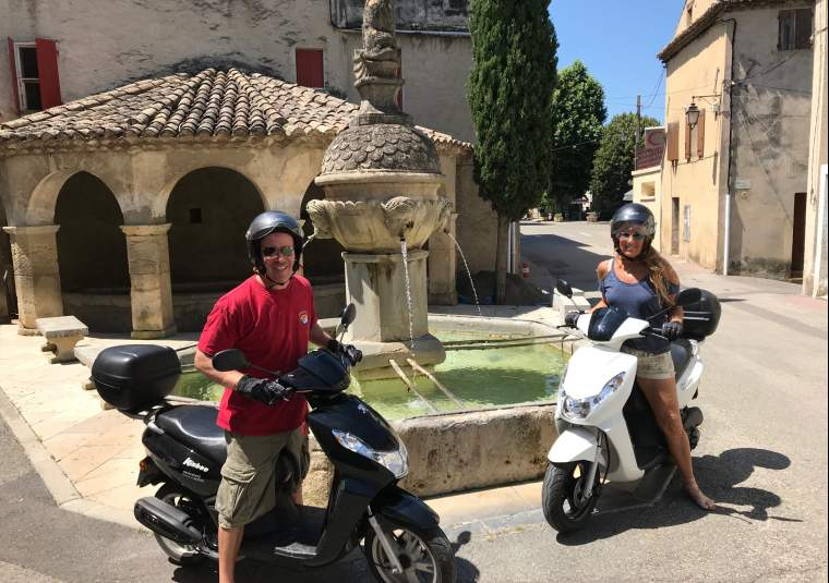 Best scooter 2 pax provence